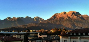 Belluno, veduta verso il monte Serva e il monte Schiara